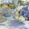 優しい水彩画タッチのテーブルクロス