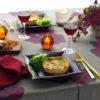 『赤ワインをいただく』ボルドーカラーのテーブルクロス