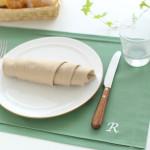 新生活スタート、テーブルをちょっとおしゃれに見せるアイテムとは?