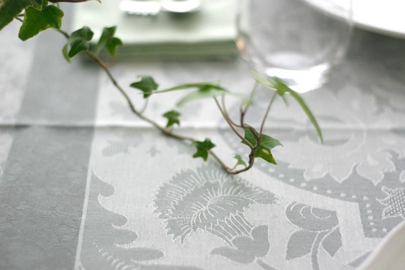 リラックス効果のあるグリーンで楽しむ休日の朝食